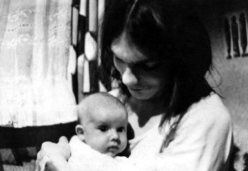 Matthias Domaschk mit seiner Tochter Julia, Februar 1977