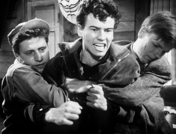 """Horst Buchholz in dem Film """"Die Halbstarken"""" (1956)"""