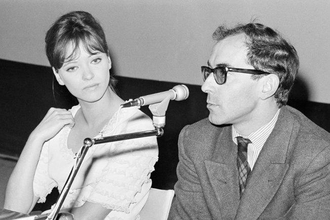 Jean Luc Godard + Anna Karina bei einer Pressekonferenz, 1965