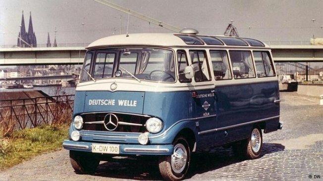 VW-Bus Deutsche Welle