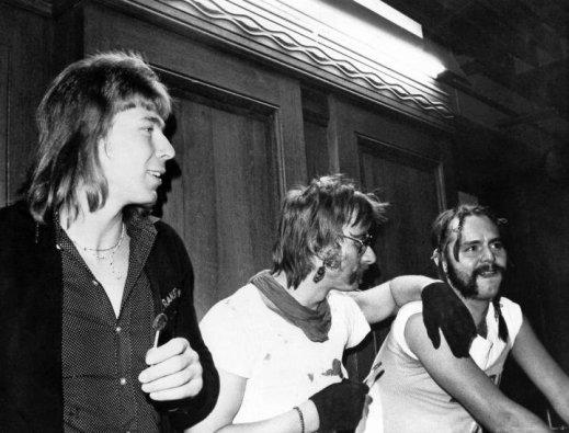 Mann, sind wir cool: Die Entführer Gerald Klöpper, Ronald Fritzsch und Ralf Reinders (von links) während der Urteilsverkündung im Oktober 1980