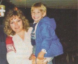 Debbie Milke mit Sohn Christopher, 1989