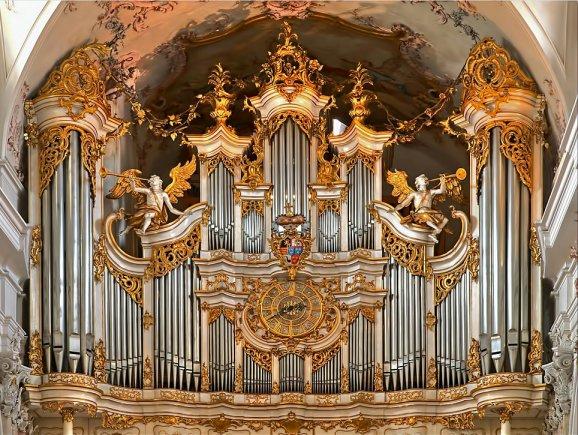 Die Orgel im Kloster Amorbach