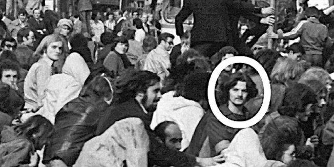 Joschka Fischer auf einer Demo in Frankfurt 1974
