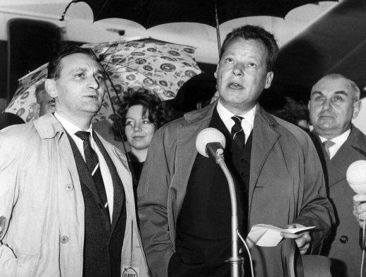 Egon Bahr + Willy Brandt in den frühen 60er Jahren
